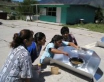 Hot Pot Solar Cooker in Mexico