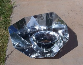 Hot Pot Solar Cooker with Reflector Panels
