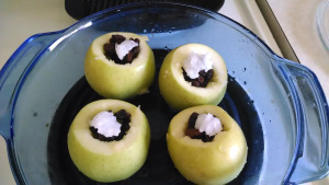 Baked Raisin Apples