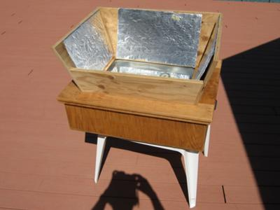 Wooden box solar oven